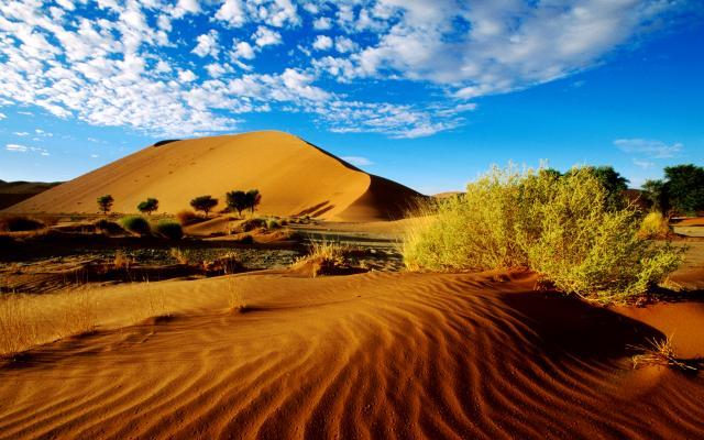 Sélection de vêtements de voyage pour la Namibie