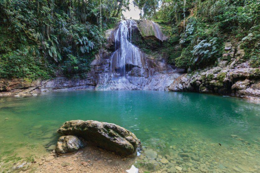 234235-porto-rico-chutes-d-eau-de-san-sebastia-n
