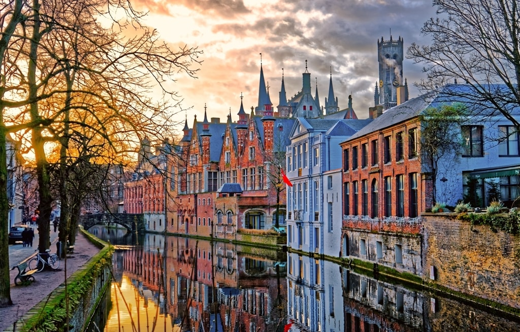 Canals-of-Bruges-Brugge-Belgium.-Winter-evening-view.-min