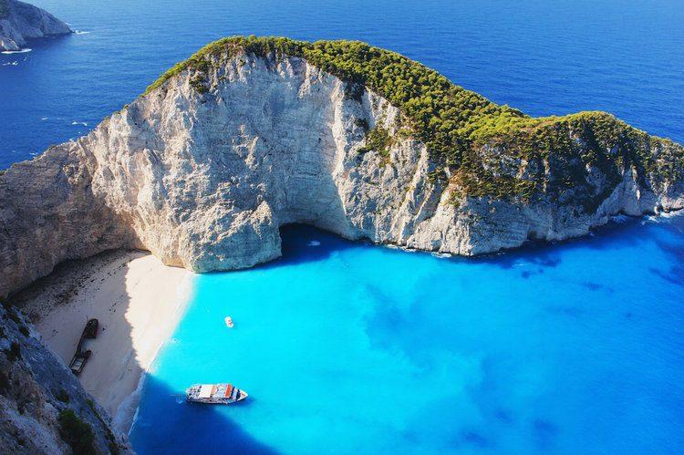 Conseils vestimentaires pour des vacances réussies en Albanie