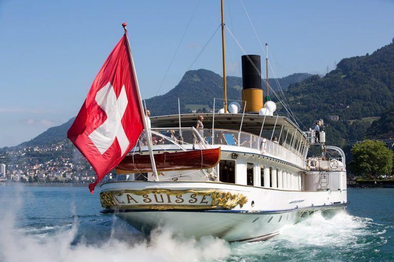 Sélection de vêtement de voyage pour la Suisse cet été